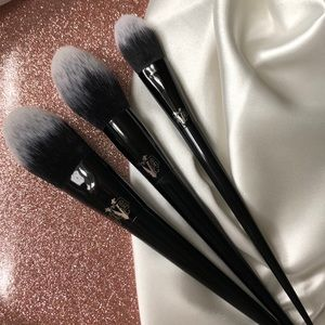 New KVD Beauty bundle of 3 brushes